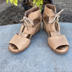 Sorel Joanie Lace Up Wedge Sz. 9